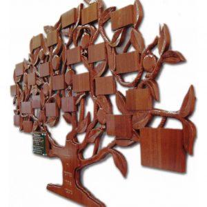 לוחות תורמים בצורת עץ חיים